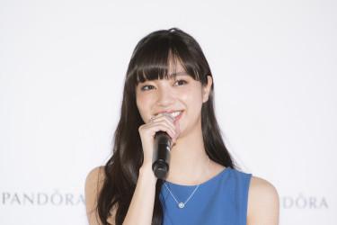 6月6日(火)、東京・表参道で「PANDORA(パンドラ)」の表参道店1周年を記念したトークショー・イベントが開催され、スペシャルゲストとして女優・モデルの新川優愛さんが登壇(PANDORA Jewelry Japan Limited)