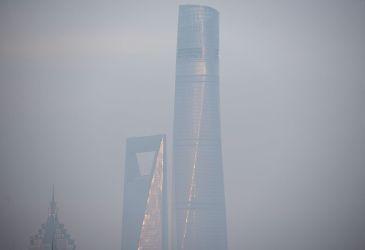 上海の超高層ビル、入居率3割のゴーストタウンに(JOHANNES EISELE/AFP/Getty Images)