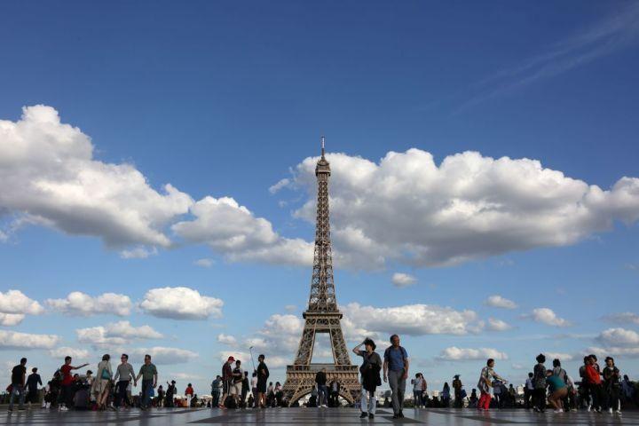 なぜ批判を浴びることが予想されながらも、米国トランプ政権はパリ協定を離脱したのか(LUDOVIC MARIN/AFP/Getty Images)
