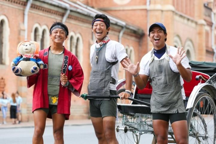 「世界を人力車で回る旅」チャレンジ中、浅草の俥夫3人が熱い!(株式会社プラネス)