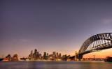 6月上旬に報じられたオーストラリアのメディアの調査によると、少なくとも5人の中国系人物が政治界への巨額な政治献金と賄賂を通じて、同国の内政に干渉してきたと明かした。写真は2009年、シドニーの夕暮れ時の街並み。 (Brendon Thorne/Getty Images)