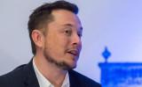 自動車大手「テスラ」と宇宙開発「SpaceX」のそれぞれの最高経営責任者(CEO)であるイーロン・マスク氏は最近、米ネバダ州で同州知事との対談でAIのリスクについて語った。写真は2016年9月、メキシコで開かれた宇宙開発のイベントに参加、演説したときに撮影(HECTOR GUERRERO/AFP/Getty Images)