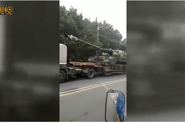 インタネット上で、多数の中国軍用車が国境に向かっているという情報が流れている。(ネット写真)