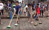7月23日、国の指定文化財である東京都の日本橋で、恒例行事「橋洗い」が行われた。日本橋と周辺環境保護を考える名橋「日本橋」保存会が主催し、今年で47回目(名橋「日本橋」保存会)