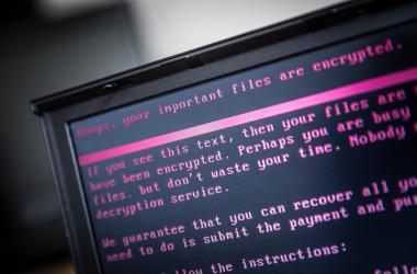 近年、北朝鮮によるサイバー攻撃の目的は外貨調達に変わったと韓国の金融保安院は最近の報告書で指摘した。(Photo credit should read ROB ENGELAAR/AFP/Getty Images)
