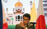 ASEAN外相会議が開かれているフィリピン・マニラで8月7日、記者会見で質問に答える日本の河野太郎外務大臣(NOEL CELIS/AFP/Getty Images)