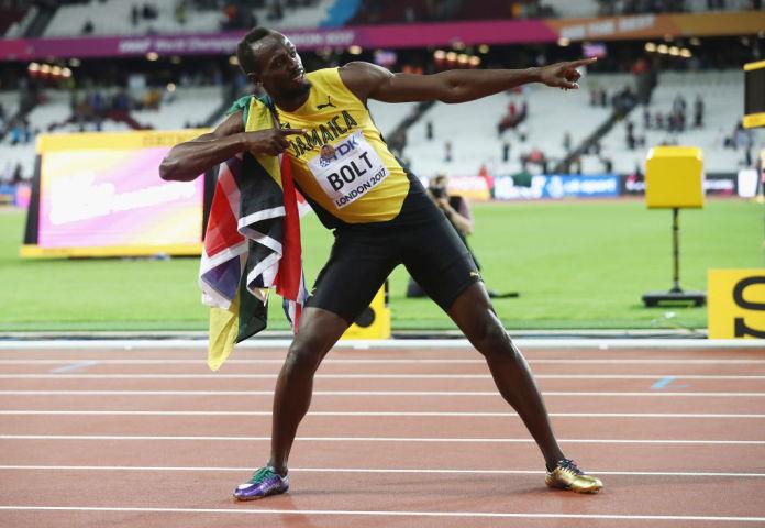 世界最速の男、12日引退前「ラストレース」に臨む。10日ロンドンで開かれている世界陸上男子100メートルで3位入賞し、ポーズを決めるウサイン・ボルト選手(Alexander Hassenstein/Getty Images for IAAF)