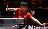 卓球ワールドツアー、チェコオープンで最年少優勝を果たした張本智和選手(PATRIK STOLLARZ/AFP/Getty Images)