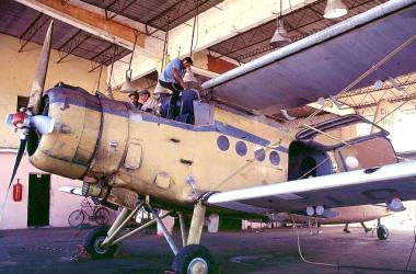 旧ソ連の軽飛行機、アントノフ2(An-2)。写真は1998年、キューバに納入された同型機、参考写真(FILES/AFP/Getty Images)