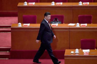 香港メディアが中国の国家体制について、現行の集団指導体制から欧米と同様の元首制への変更を提案する記事を掲載した。(WANG ZHAO/AFP/Getty Images)
