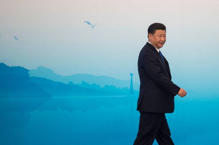 中国の習近平党総書記が2012年11月に就任してから、反腐敗運動で約200万人以上の汚職幹部を処分したことがわかった(FRED DUFOUR/AFP/Getty Images)