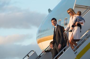 トランプ大統領の長女、イヴァンカ夫妻。(NICHOLAS KAMM/AFP/Getty Images)