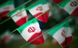 9月23日、イランは新型弾道ミサイル「ホラムシャハル」の発射実験に成功したと発表し、米国の圧力に屈することなく兵器開発を継続する方針を表明。写真は2012年2月撮影(2017年 ロイター/Morteza Nikoubazl)