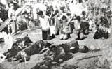 文化大革命の時、広西省で行われた集団公開処刑の光景。(ネット写真)