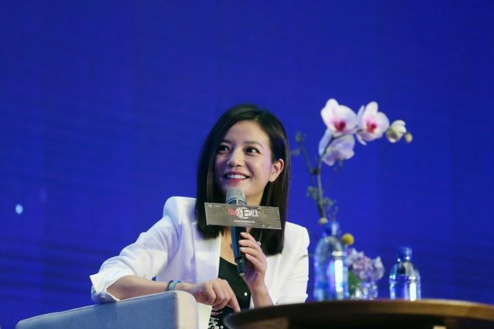 中国人女優のヴィッキー・チャオ (Photo credit should read STR/AFP/Getty Images)