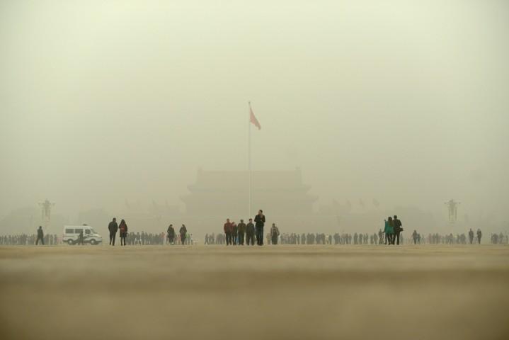 党大会の会場がある天安門広場(WANG ZHAO/AFP/Getty Images)