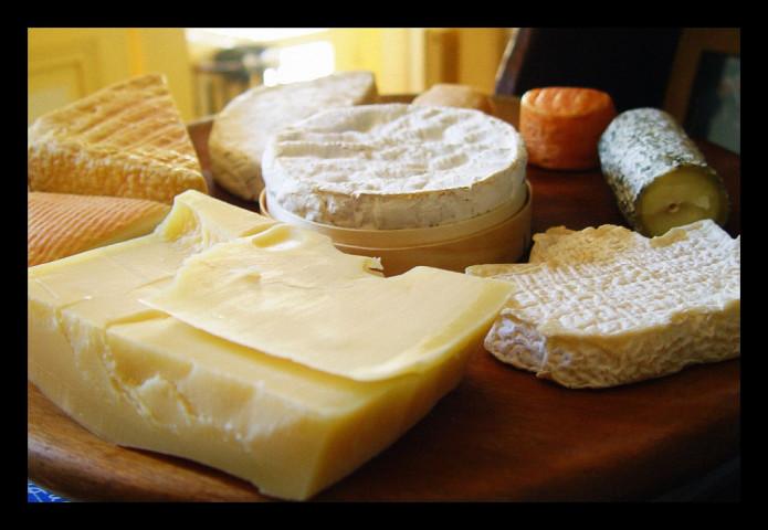 中国当局は、「細菌が多すぎる」として50種のチーズを禁輸にした。(Chris Buecheler/Flickr)