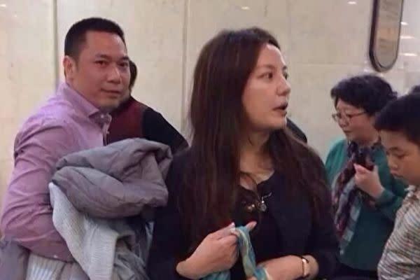 中国人女優のウィッキー・チャオと夫の黄有龍氏。(大紀元資料室)
