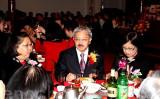 FBI調査対象とされたサンフランシスコ市の中国コミュニティ有力者・白蘭(左)と、2011年に同市初の中国系米国人市長となったエドウィン・M・リー氏(中国名:李孟賢、中央)と妻(右)(呉雅儒/大紀元)