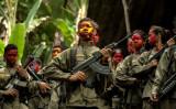 フィリピン共産党のゲリラ組織「新人民軍」の兵士(NOEL CELIS/AFP/Getty Images)