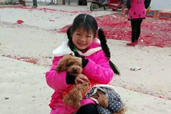 中国湖北省黄梅県に住む陶秀麗ちゃん(9)の生前の写真。(中国SNS微博上に投稿された写真)