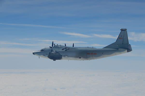 台湾国防部が撮影した台湾海峡を飛行中の中国軍機。(台湾国防部)