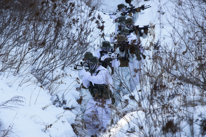 12月16日、韓国北部の平昌郡で、米韓合同軍事演習が行われた(Chung Sung-Jun/Getty Images)