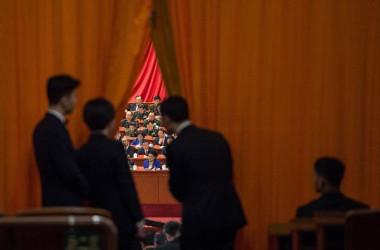 中国当局は来年1月の2中全会で、国家主席任期に関して憲法改正案を議論するとみられる。写真は今年10月中旬に開催された中国の党大会の様子。(Getty Images)