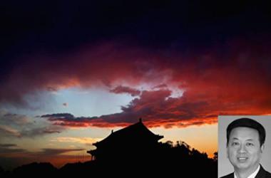 中国当局は3日と4日、陝西省の馮新柱・副省長と山東省の季緗綺・副省長に対して調査をしていると発表した。写真は馮新柱氏。(Getty Images/大紀元合成)