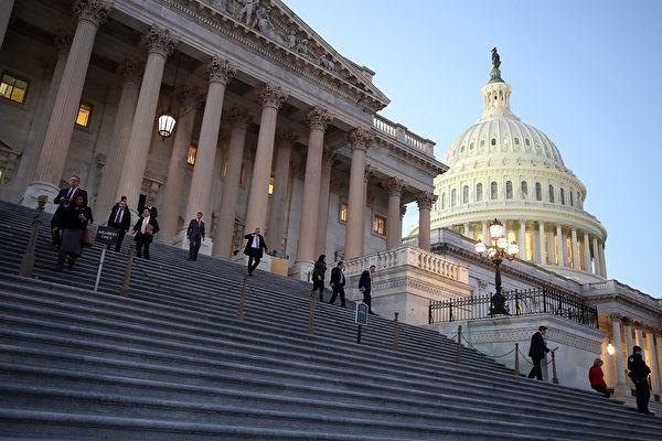 米議会では、対外投資審査を厳しくするよう求める声が上がっている。対米外国投資委員会(CFIUS)の聴聞会が1月9日に開かれた(Mark Wilson/Getty Images)