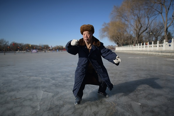 太極拳は張三豊が修道するときに使った方法ですが、現在残されているのは、その練習の動作だけで、その法理は残されていません(Photo credit should read NICOLAS ASFOURI/AFP/Getty Images)