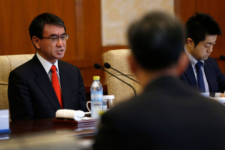 1月28日から29日、河野太郎外相は中国北京に滞在、李克強総理、王毅外交部長、楊潔篪国務委員と会談した(Andy Wong/GettyImages)