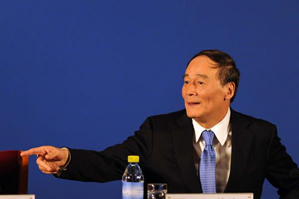 昨年10月以降政界から退いた中国の王岐山・前中央規律検査委員会書記が1月29日、全国人民代表大会の代表に選ばれた。(Getty Images)