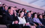 韓国大統領・青瓦台が11日に公開した写真。北朝鮮音楽団三池淵楽団を鑑賞する(左から)北朝鮮の金永南最高人民会議常任委員長、金正恩朝鮮労働党委員長の妹・金与正氏、韓国の文在寅大統領、大統領夫人(South Korean Presidential Blue House via Getty Images)