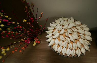 旧正月、誕生日、入園入学入社、引っ越しなど、あらゆる祝い事に好んで作られる餃子。幸せを包み込む(China Photos/Getty Images)