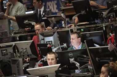 米証券取引委員会(SEC)は15日、中国投資会社によるとシカゴ証券取引所(CHX)の買収案を却下した。(Scott Olson/Getty Images)