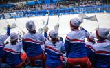 2月14日平昌オリンピック5日目、アイスホッケー女子日本対南北合同チームの試合に声援を送る北朝鮮女性応援団(Carl Court/Getty Images)