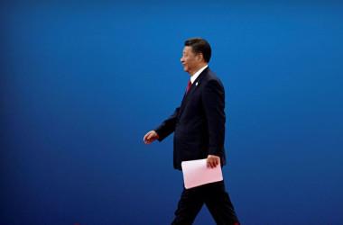 習近平国家主席は10日、ボーアオ・アジア・フォーラムで市場開放を表明した。( Mark Schiefelbein-Pool/Getty Images)