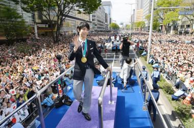 4月22日、仙台で羽生結弦選手の祝賀パレードが開催された。(JAPAN POOL/AFP/Getty Images)