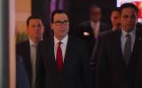 中国との通商交渉のため、米国のムニューシン財務長官が率いる代表団は3日北京に到着した(GREG BAKER/AFP/Getty Images)