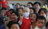 中国安徽省の病院で、白血病の小児患者とその家族のために募金活動を開いた。写真は2014年に撮影されたもの( STR/AFP/GettyImages)