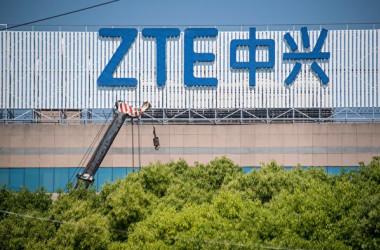 香港メディアの報道によると、中国国内では通信大手のZTEがすでに倒産し完全に国有化されたとの噂が広がっている(JOHANNES EISELE/AFP/Getty Images)