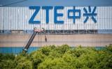 トランプ米大統領はこのほど、中国通信大手の中興通訊(ZTE)への制裁措置を緩和すると示唆した。(JOHANNES EISELE/AFP/Getty Images)