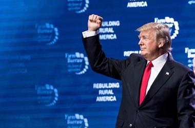 トランプ米大統領は18日、中国の報復措置を受け、2000億ドル(約22兆円)相当の中国製品を対象に10%の追加関税を実施する意向を示した(Samira Bouaou/The Epoch Times)