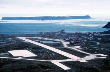 グリーンランド南西部にある米空軍チューレ基地(米国空軍)