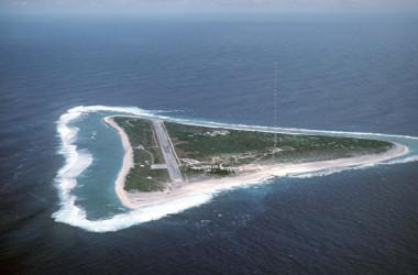日本の最東端に位置する南鳥島(wikimedia)