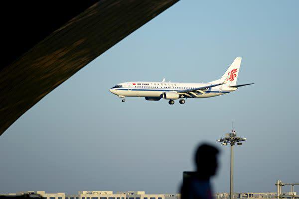 海外メディアによると、5月以降中国から北朝鮮へのツアー客が増えた。中国当局が北朝鮮への旅行禁止を解除したとみられる。写真は中国国際航空の旅客機(WANG ZHAO/AFP/Getty Images)