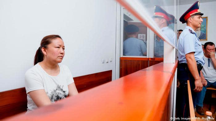 カザフ系中国人女性はカザフスタンの法廷で、中国当局が否定する、新疆ウイグル自治区にある「再教育施設」の存在について語った(GettyImages)
