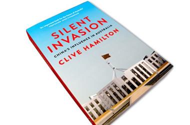 中国の浸透に警鐘を鳴らす著書『静かなる侵攻』(大紀元)
