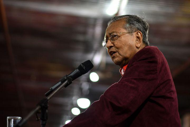 マレーシアのマハティール首相(MANAN VATSYAYANA/AFP/Getty Images)